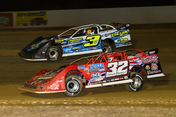 Bobby Pierce (32) and Brian Shirley (3S)