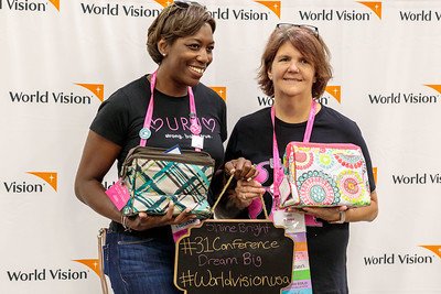World_Vision_kitting
