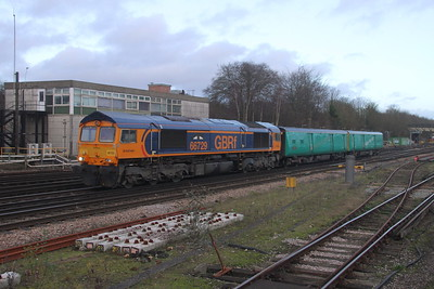 66729 Basingstoke 23/12/19 5Z65 Peterborough to Eastleigh
