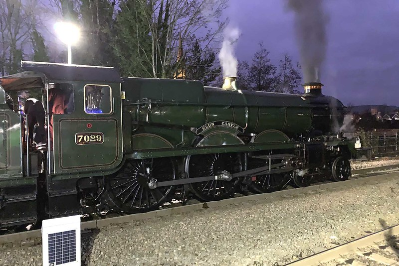 """1 December 2019 :: GWR 4073 Class 7029 """"Clun Castle"""" is standing in the station at Bath while working 1Z89 from Bristol Temple Meads to Solihull"""