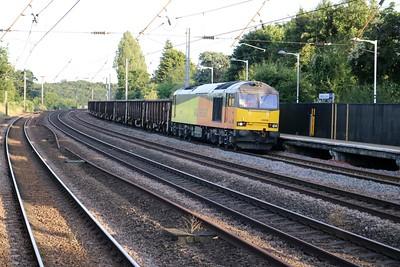 60096 passes Welham Green at 2002/6Z60 Willesden Brent-Chaddesden Sidings empty wagon move   04/07/19