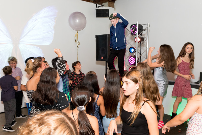 Party -1275