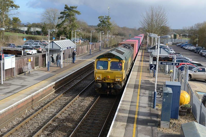 7 February 2019 :: 66522 (no longer in Shanks livery) is passing through Gratley with a diverted 4O05 from Birch Coppice to Southampton