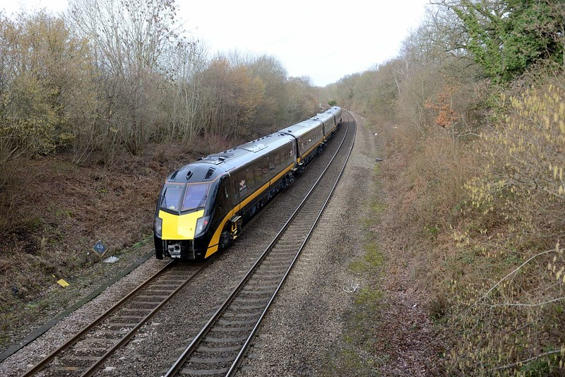6 February 2019 :: Grand Central 180112  is passing Chineham outside Basingstoke working 5Q54 from Eastleigh to Bounds Green