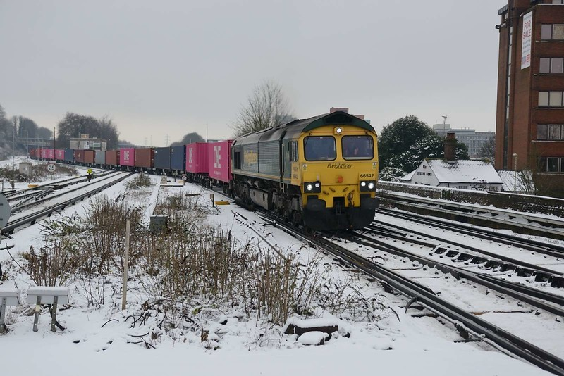 1 February 2019 :: 66542 is at Basingstoke working 4O05 from Birch Coppice to Southampton