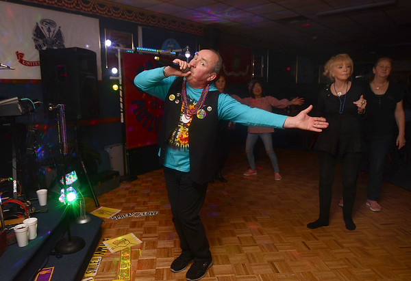 VL 020819 DAVIS EDDIE SING