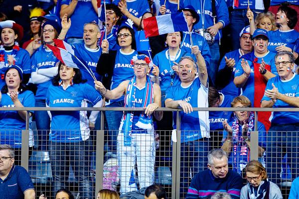 01.01d France supporters - Fedcup Belgium vs France 2019