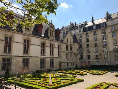 St. Clair - French Garden