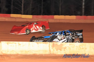 b) 602 Late Model Feature   032