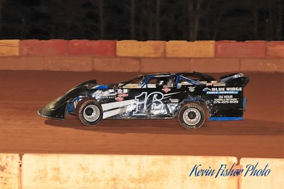 b) 602 Late Model Feature   027