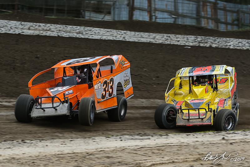 Grandview Speedway - 313 Steve Swinehart, 357 Duane Howard