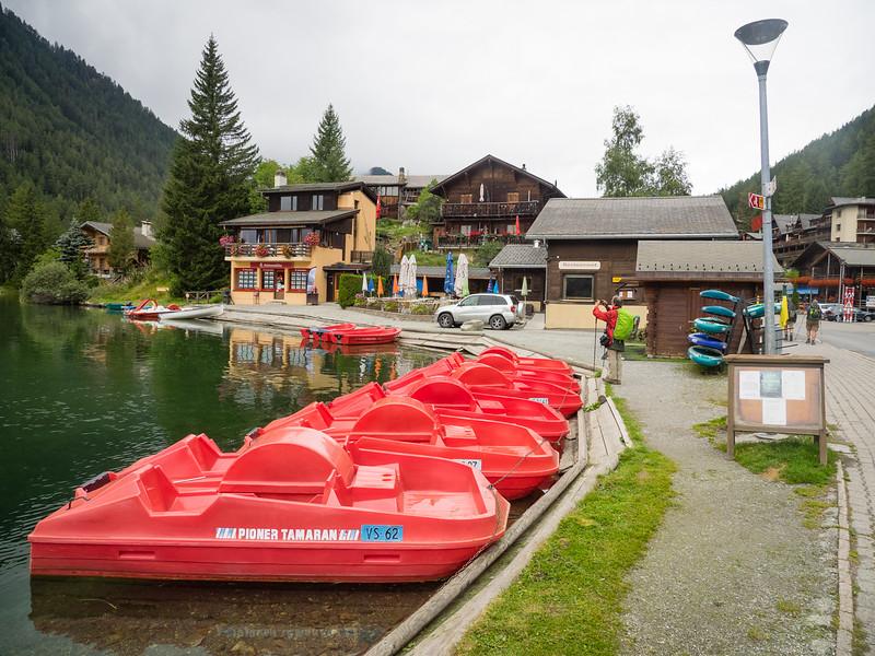 9/6 - Boats on Lac de Champex