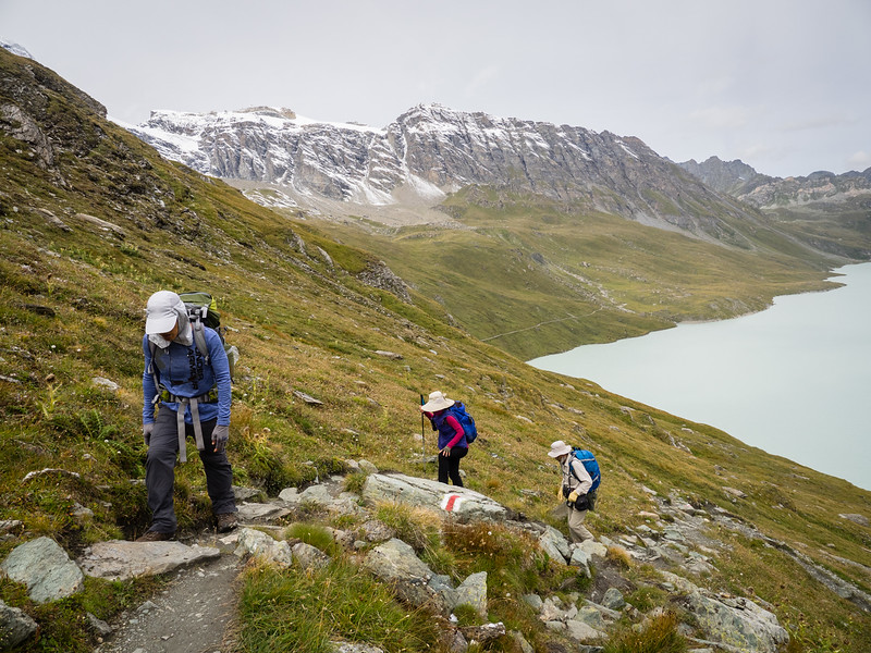 9/10 - Climbing up from Lac des Dix