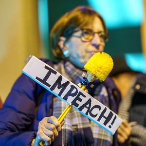 DougKaye-ImpeachmentProtest-SanRafael-20191217-08885