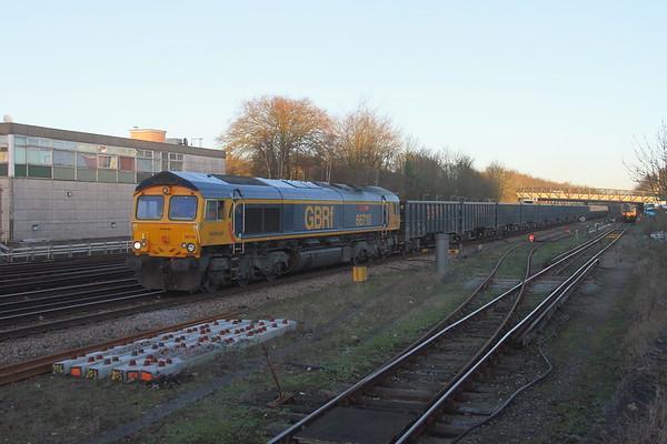 66710 Basingstoke 17/01/19 4Y19 Mountfield to Southampton Western Docks