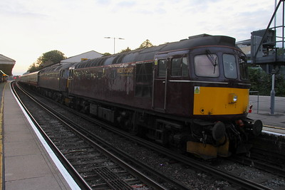 33025 Basingstoke 27/07/19 attaches to 47245 which had failed on 5Z25 Eastleigh to Bristol Kingsland Road