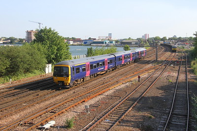 166202 St Deny's 26/06/19 1F25 Cardiff Central to Portsmouth Harbour