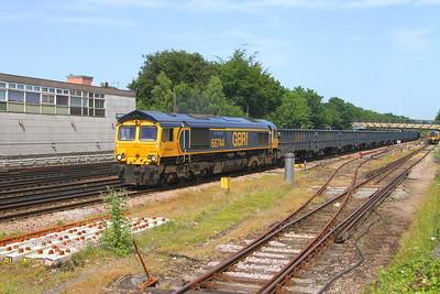 66744 Basingstoke 28/06/19 4Y19 Mountfield to Southampton Western Docks