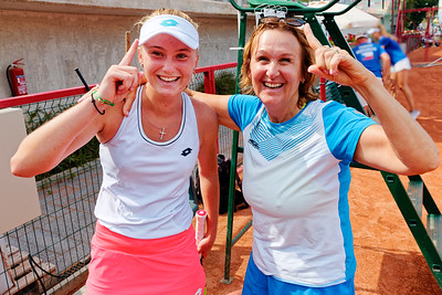 01.01j Very happy - Russia - Junior fed cup european final round girls 16 years and under 2019