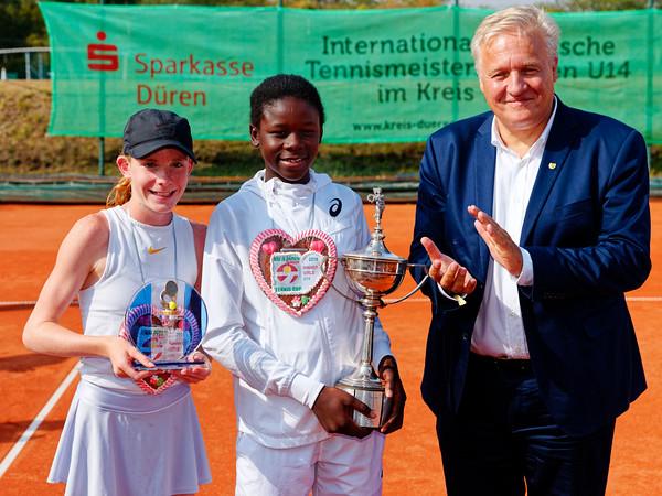 08a Finalists girls singles - Kreis Düren Junior Tennis Cup 2019