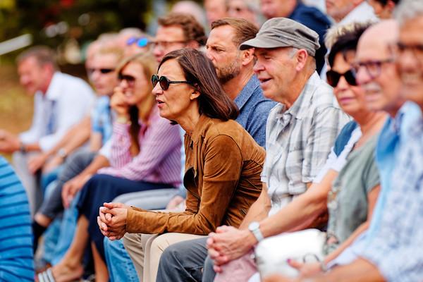 06 Watching a great match - Kreis Düren Junior Tennis Cup 2019