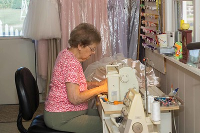 MOM SEWING-00876
