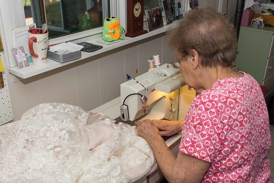 MOM SEWING-00891