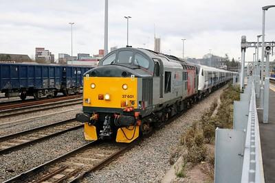 37601 1416/5Q73 Ilford-Old Oak Common drags 345012 passing Acton Mainline