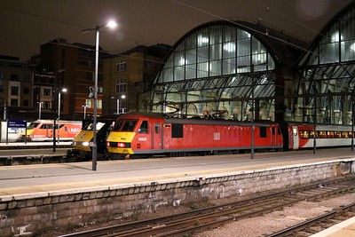 90029, 91110, 91130 await departure from Kings Cross at 05.53 on their respective services.
