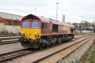 66155 passes Acton Mainline on its way into the yard