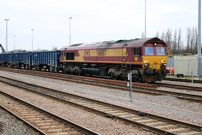 66187 stabled on a fake of JNA box wagons having arrived at 1218 fron Calvert.