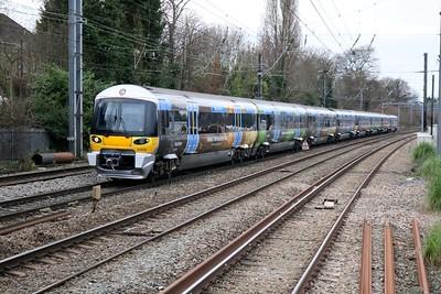 Heathrow Express 332010_002 pass Acton Mainline