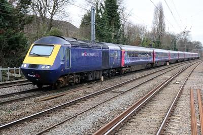 43017_43153 1154/1A12 Paignton-Paddington passes Acton Mainline