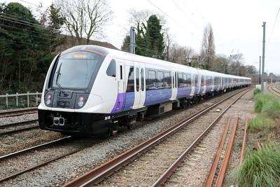 345010 on a Paddington to Hayes & Harlington service passes Acton Mainline