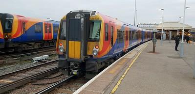 458532 at Clapham Junction