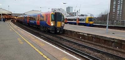 458536 at Clapham Junction