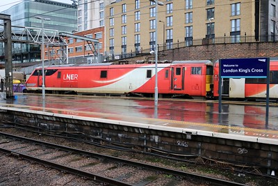 91112 1303/1D15 Kings Cross-Leeds