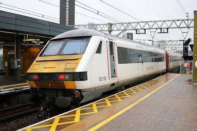 82133_90002 'Eastern Daily Press 1870-2010' 0958/1P19 Norwich-Liverpool Street at Stratford