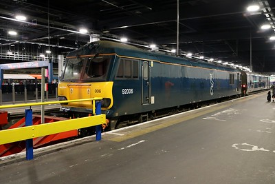92006 0833/1M11 Glasgow-Euston Sleeper