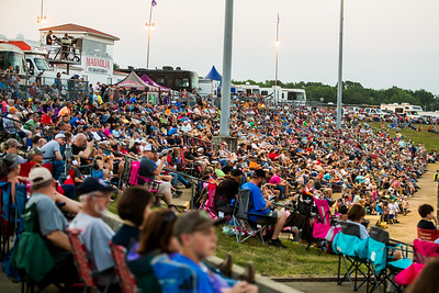 Magnolia Motor Speedway crowd