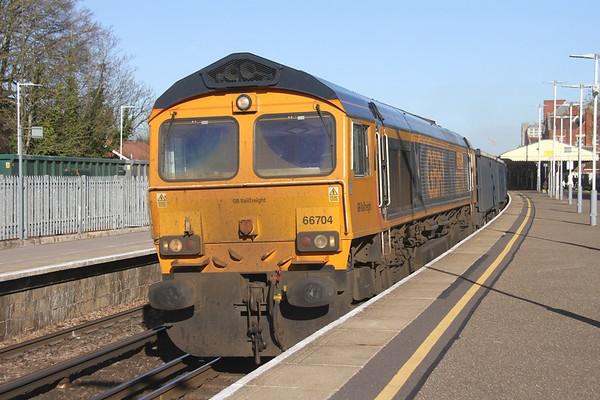 66704 Basingstoke 25/03/19 4Y19 Mountfield to Southampton Western Docks