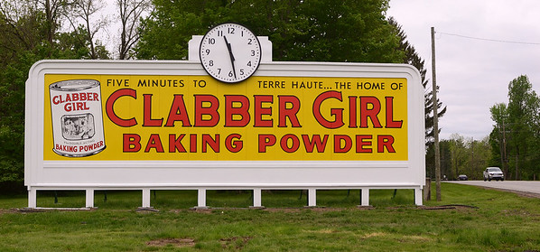 MET 051019 CLABBER SIGN BACK