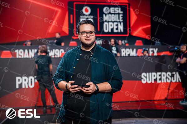 ESL_Mobile_Open_Season1-Finals__31