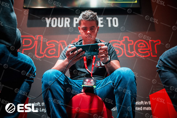 ESL_Mobile_Open_Season1-Finals__15