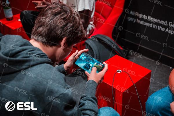 ESL_Mobile_Open_Season1-Finals__14