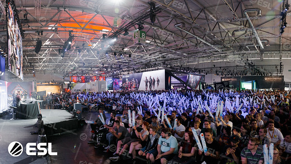 20190822_Simon-Howar_Gamescom2019-Cologne_00278-Pano