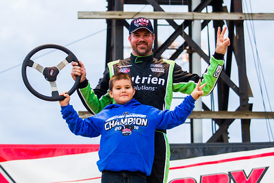 Jonathan Davenport and son Blane