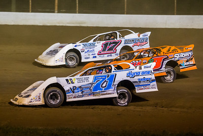 Hudson O'Neal (71) Dustin Linville (D8) and Zack Dohm (17)