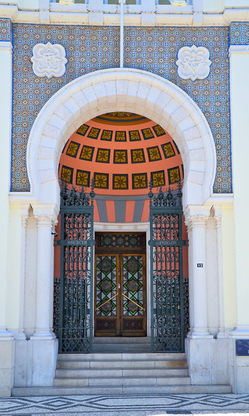 Building entrance in Faro