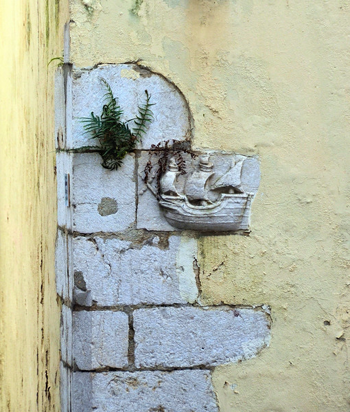 Relief on the corner of a building in Lisbon